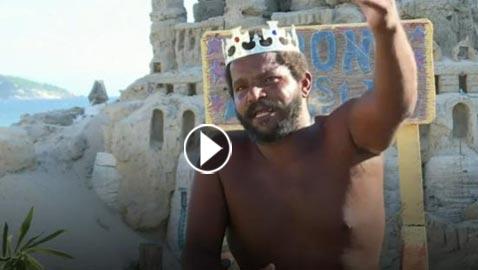 تعرفوا على على مارسيو الملك الذي يعيش في قلعة رملية منذ 22 عاما