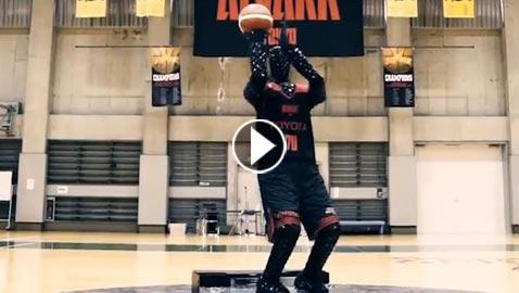 بالفيديو.. روبوت يلعب كرة السلة بمهارة فائقة