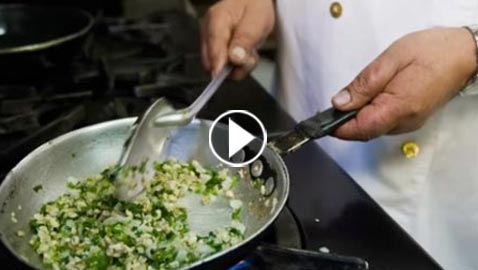 بالفيديو.. تعرفوا على أغرب المأكولات من حول العالم