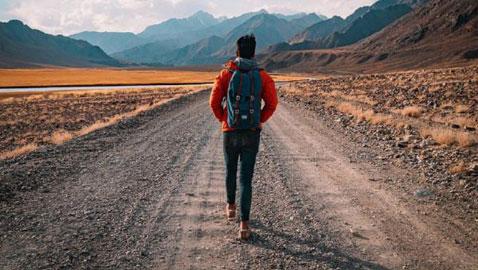 أبرز الفوائد الصحية للمشي.. يقي من أمراض القلب والسكري ويحسن البصر