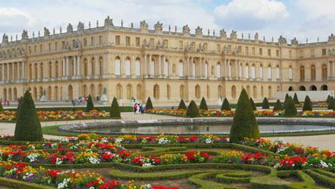 صور رائعة.. حدائق القصور الملكية الضخمة والفخمة في العالم