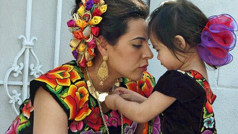 تعرفوا على أغرب احتفالات عيد الأم حول العالم