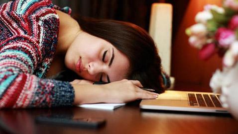 تعرفوا على أسباب الشعور المستمر بالتعب والإرهاق وطرق التغلب عليه