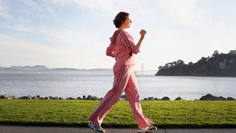 المشي 10 دقائق فقط أسبوعياً.. يبعد خطر الوفاة المبكرة عنكم
