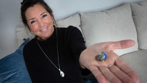 فقدت خاتم زوجها قبل نصف قرن.. ثم حدثت المعجزة