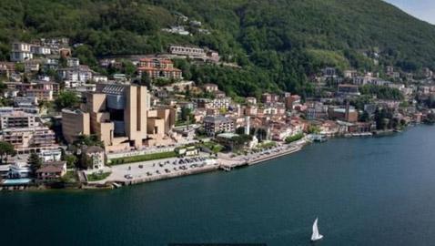 تعرف على البلدة الإيطالية المحاطة بأراض سويسرية من جميع الجهات